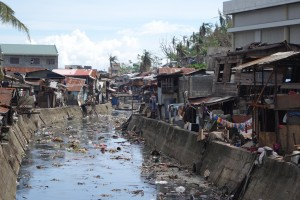 Philippies Tacloban_slum